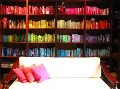rainbow bookshelf1 DecoTrends: happy home