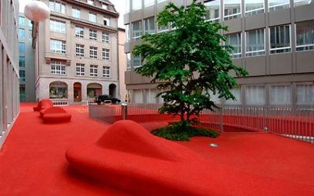 city lounge1 City Lounge, el color rojo inunda la calle