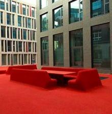 city lounge3 11 City Lounge, el color rojo inunda la calle