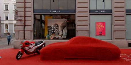 city lounge5 City Lounge, el color rojo inunda la calle