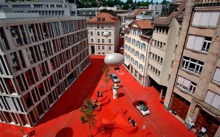 city lounge6 City Lounge, el color rojo inunda la calle