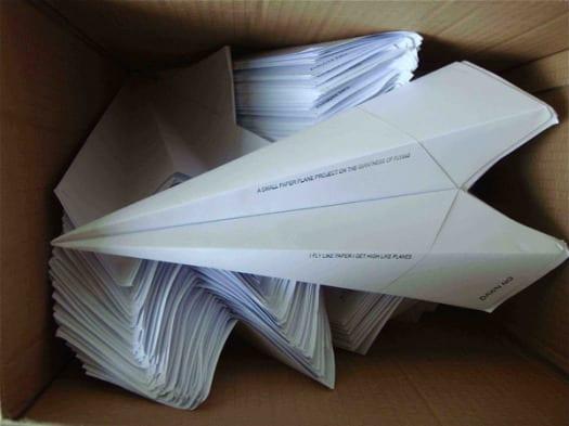 planes1 Aviones de papel, por Dawn Ng