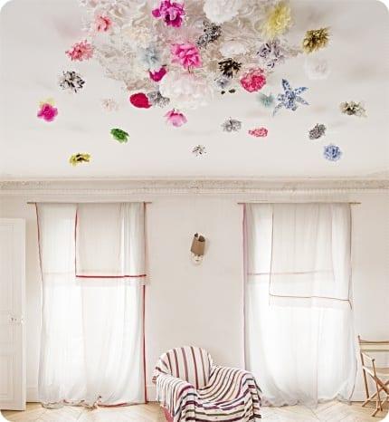 Techo decorado con flores