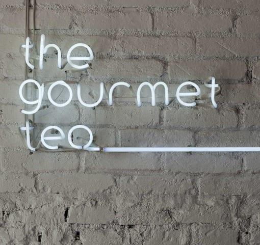 tienda gourmet decoracion minimalista letrero