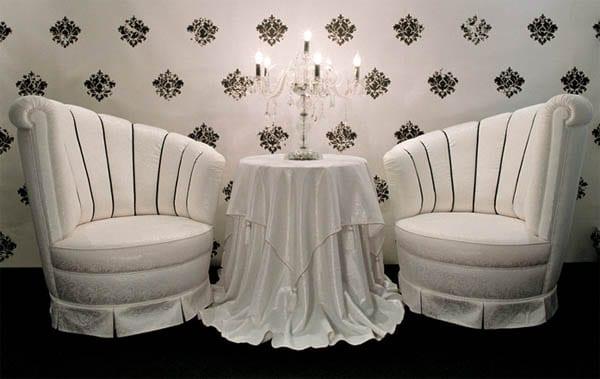Clásico dormitorio en blanco y negro