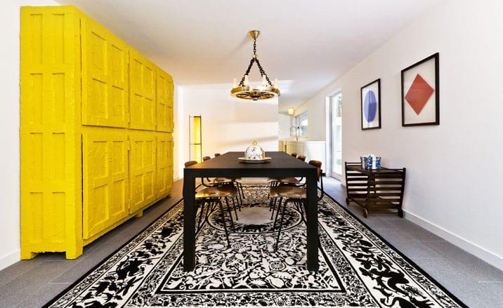 decora en amarillo