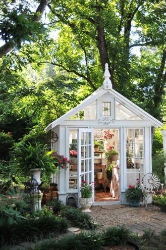 Un invernadero para decorar el jard n - Invernadero para casa ...