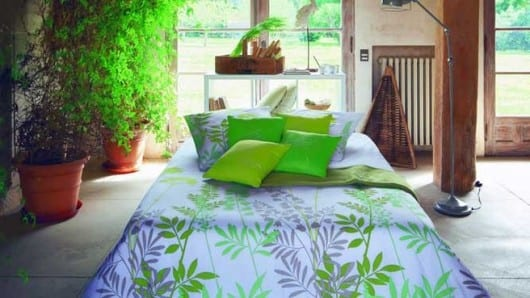 Una habitación con color verde