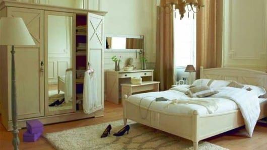 Una habitación en tonos de beige