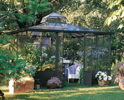 Un invernadero para decorar el jard n - Invernaderos de jardin baratos ...