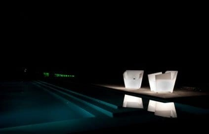 Pufs, taburetes y sillas iluminados