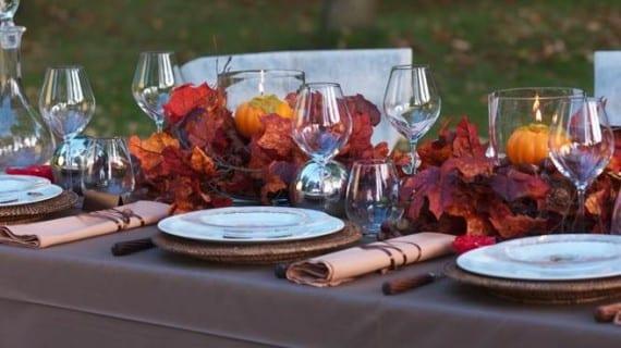 La decoración de la mesa en otoño