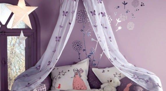 Ambiente mágico en la habitación de las niñas
