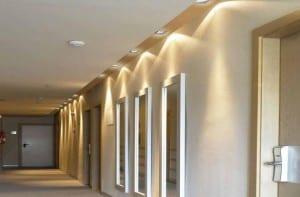 Trucos para la iluminación del pasillo y el recibidor