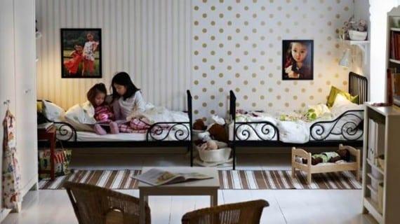 Peque os espacios un dormitorio para dos ni os for Acomodar muebles en espacios pequenos