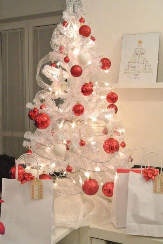Tu rbol de navidad el rey de la casa - Arbol de navidad en blanco ...