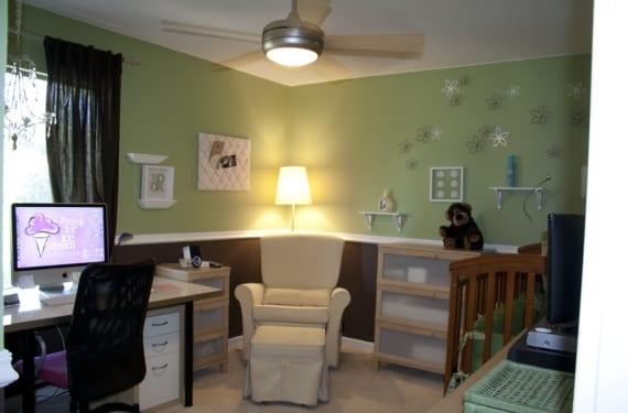 Oficina y habitación de bebe en un mismo espacio