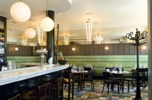 Brasserie diseñada por Ilse Crawford para el Hotel Hide Road de Londres