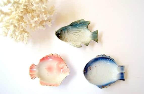 Platos en forma de pez para sushi