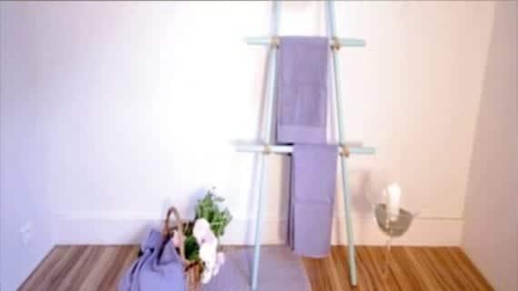 Crear un toallero con palos de escoba