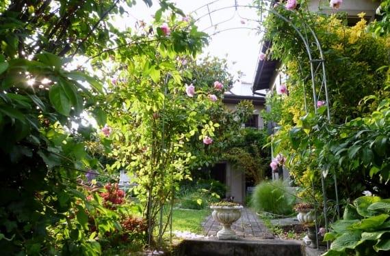 Una parte del jardín de La Paisible
