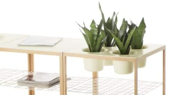 Mesa con espacio integrado para las plantas