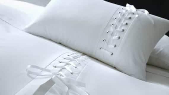 Una cama para desnudarse