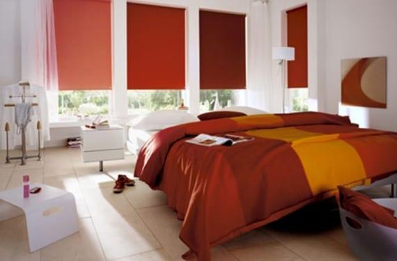 Gradación de colores en los estores de un dormitorio