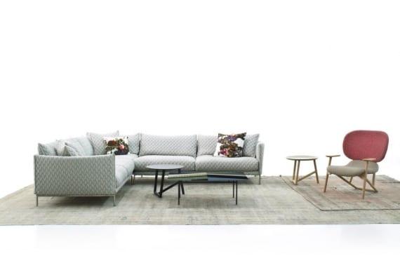Gentry sofa y Klara Chair, diseño de Patricia Urquiola para Moroso