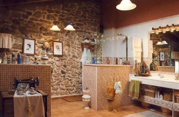 Cómo decorar un cuarto de baño rústico