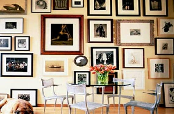 Una galería de arte en el salón