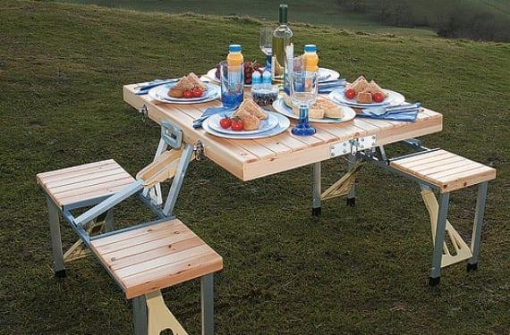 Mesa y taburetes plegables para picnic