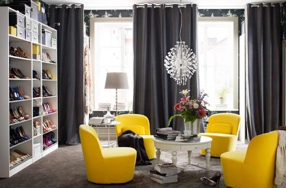 Sofá de colores amarillo