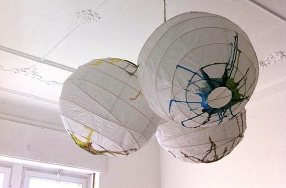 Lámparas de papel con pintura
