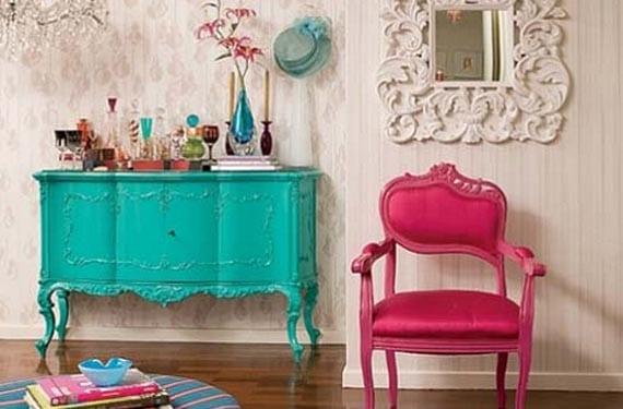 Muebles reciclados de colores