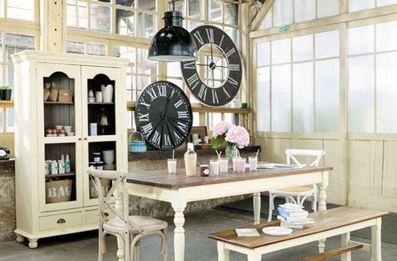 Relojes vintage en un loft