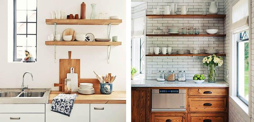 Baldas de madera en la cocina un toque r stico - Estanterias para cocina ...