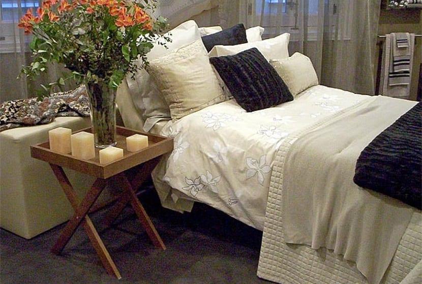 dormitorio con mesitas recicladas