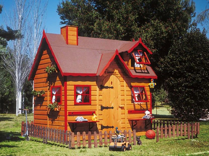 caseta jardin marron roja