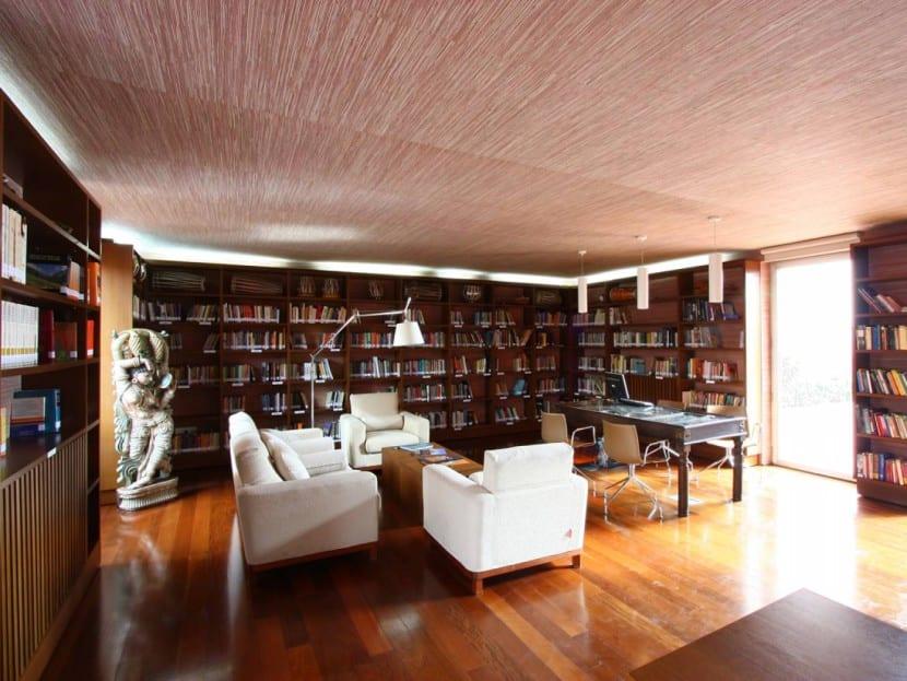 biblioteca en casa enorme