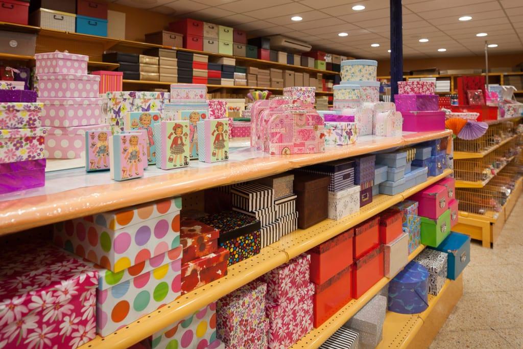 La cajas decorativas en el hogar for Cajas decorativas para almacenar