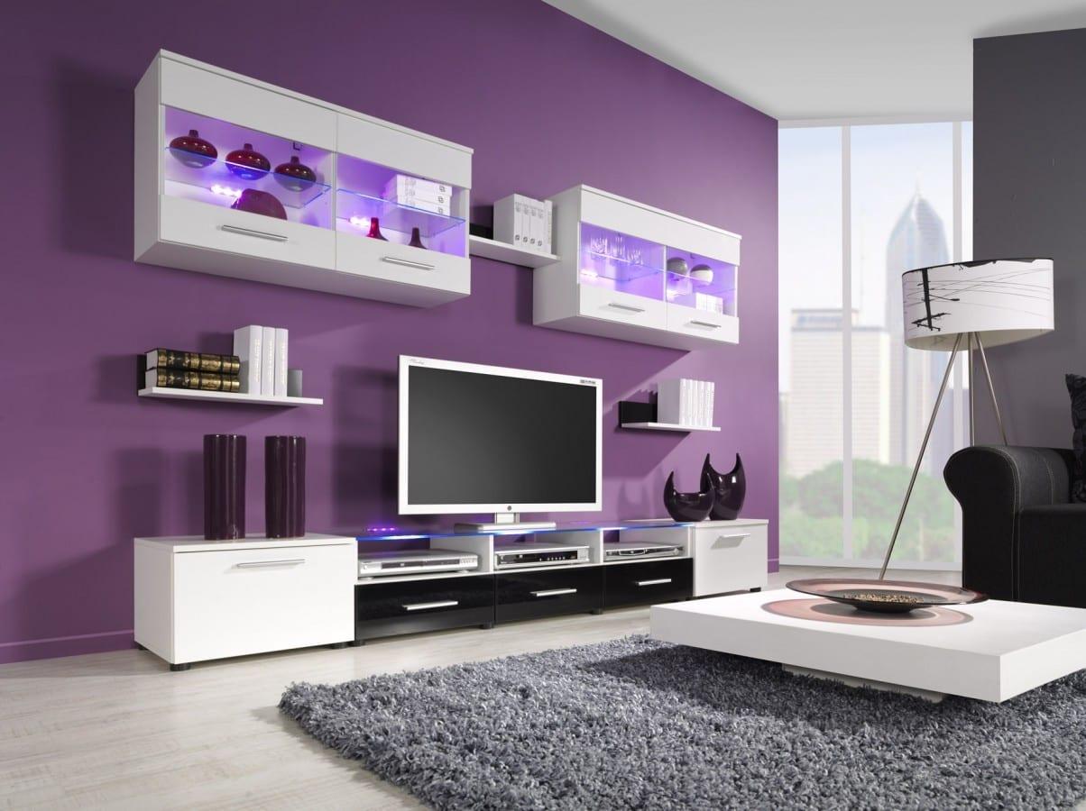 Decorar el salón en color púrpura