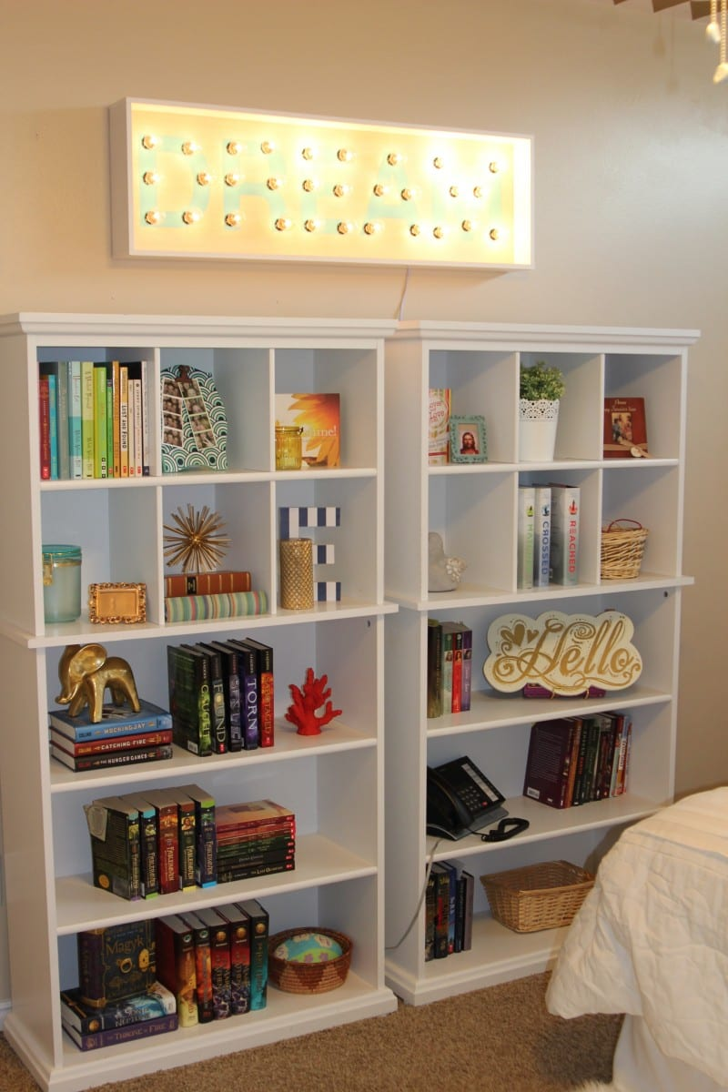 Aprende a organizar tu estanter a de libros for Como disenar una estanteria