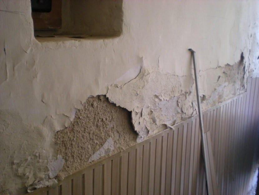 Consejos para reparar las paredes con humedad - Humedad en pared ...