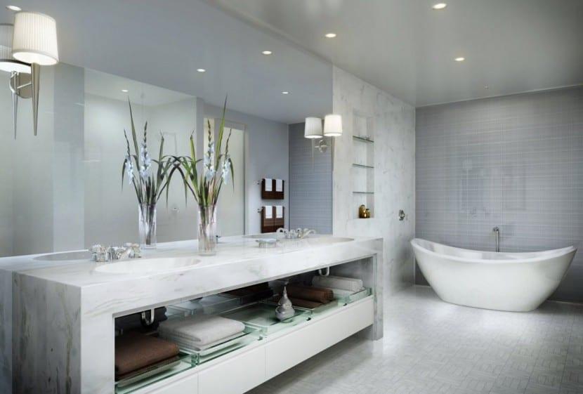 Cómo decorar un cuarto de baño grande