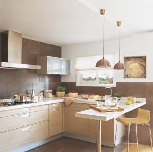 usar un desayunador en una cocina pequeña
