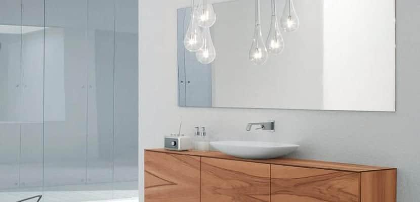 Iluminar baños pequeños