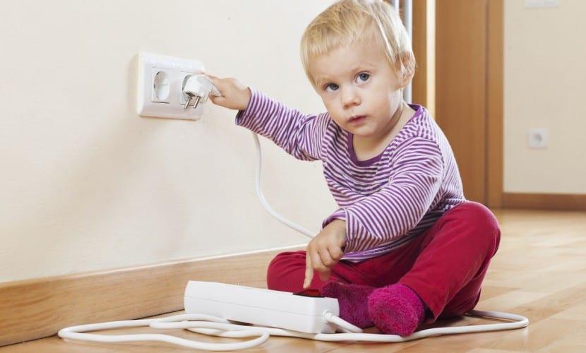 Cómo-proteger-a-los-niños-de-accidentes-en-el-hogar