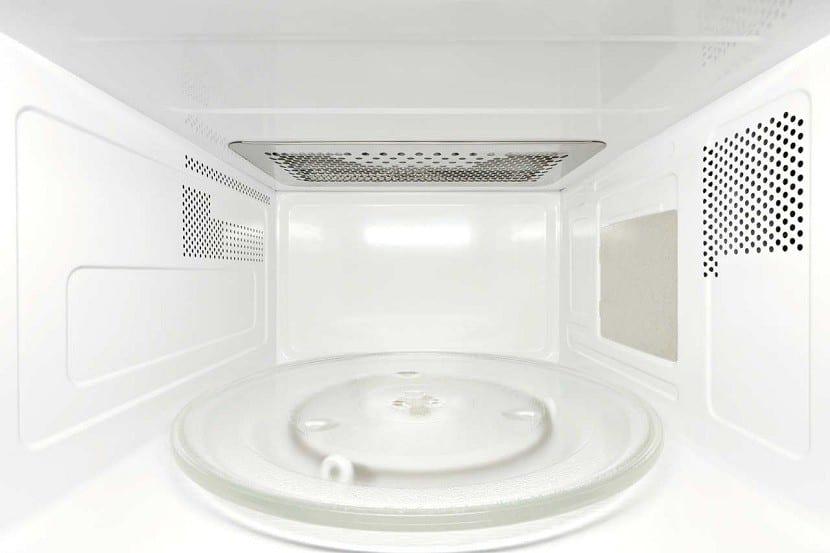 Limpieza-del-microondas