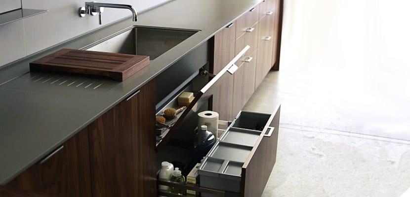 Claves para organizar el bajo fregadero for Mueble fregadero cocina